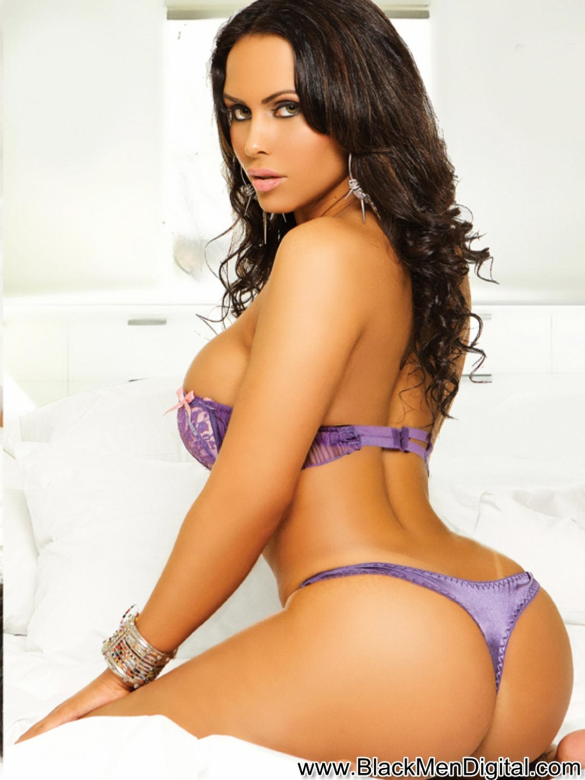 [Image: kat-barberry-blackmendigital-dynastyseries-07.jpg]