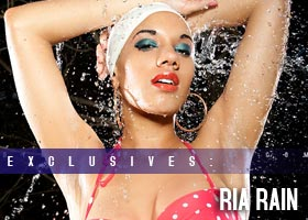 Frank D Photo presents SPLASH: Water Shots – Ria Rain @makeriarain