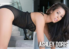 Ashley Doris @MissAshleyDoris – March 2013 Playboy Playmate