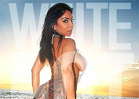 Tori Treadwell presents: White Hot…Beauty, Booty & the Beach – Adrianne Nicole @Niecy_Babee