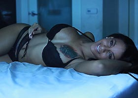 Crystal Renay @crystalrenay_ : Blue Bedroom Shoot Video – Facet Studio