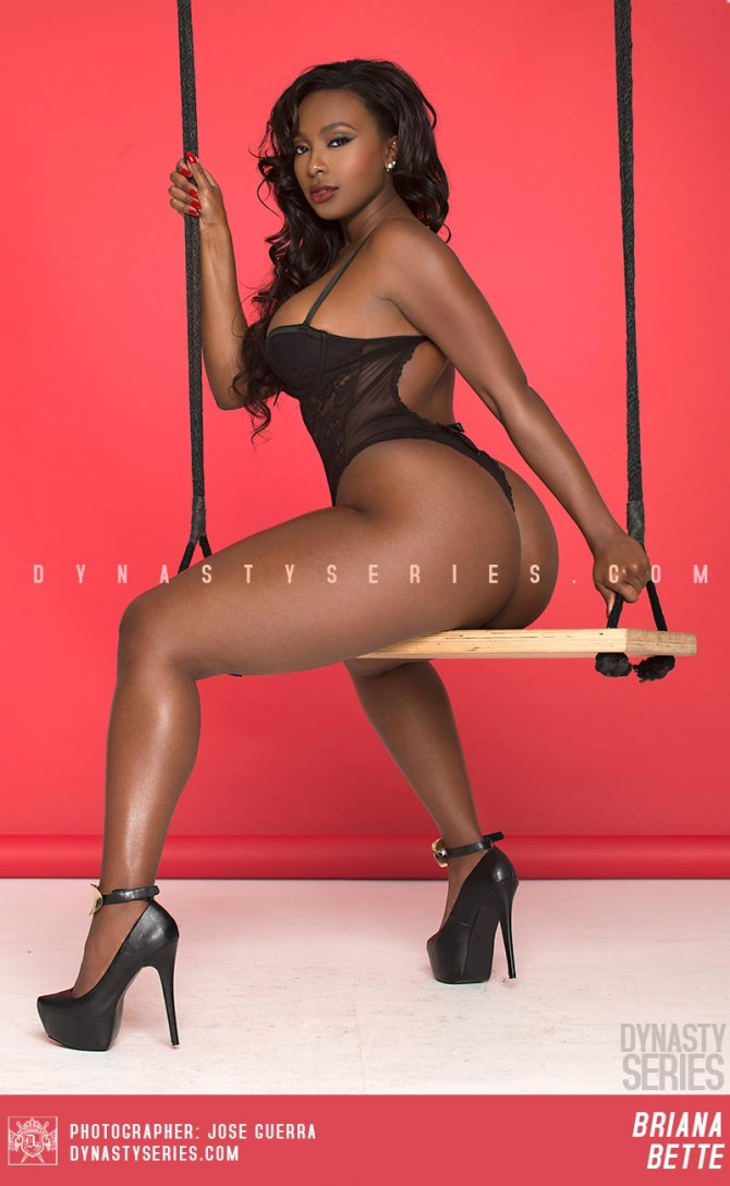 Briana Bette @BrianaBette: In Full Swing – Jose Guerra