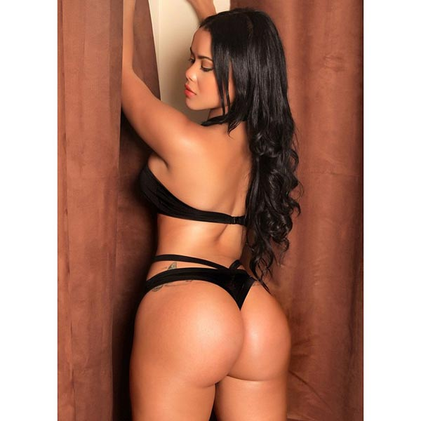 Arelis Rey – Pic of the Day – King Lumas