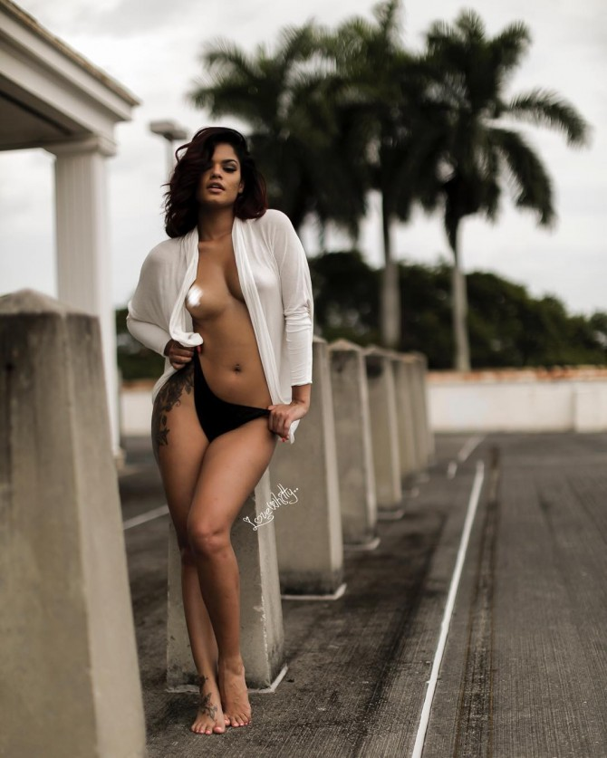 Azaria Desiree @azariadesiree – Pic of the Day Triple Play – Images By Whitty