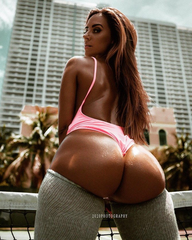 Mandy C Fit @mandycfit: View from Behind – 2020 Photography