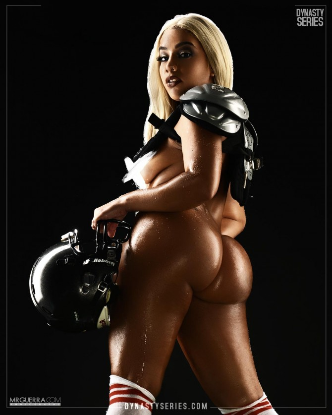 Amanda Cee: NFL Series Playoff Edition Wildcard Weekend – Jose Guerra