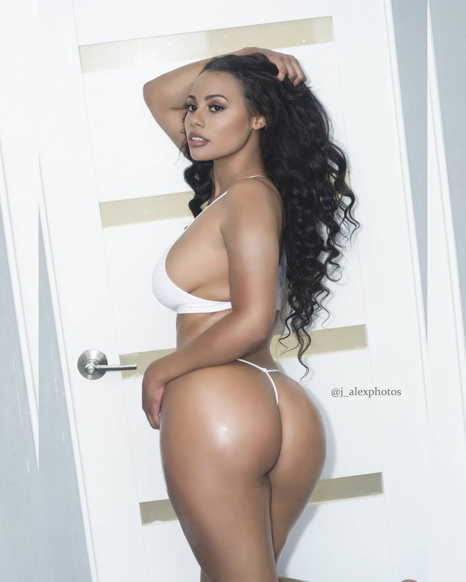 @arieljaneill – Pic of the Day Triple Play – J. Alex Photos