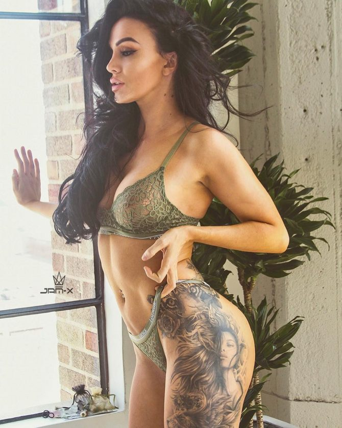 Layla Edison – Pic of the Day Double Dose – Jam-X
