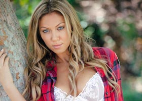 Mylie Bryce: Playboy Cyber Girl Shoot