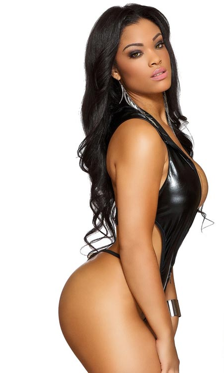 Pic of the Day: Mehgan James @MehganJames – Facet Studio