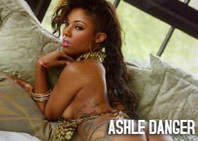 Ashle Danger @AshleDanger in Straight Stuntin
