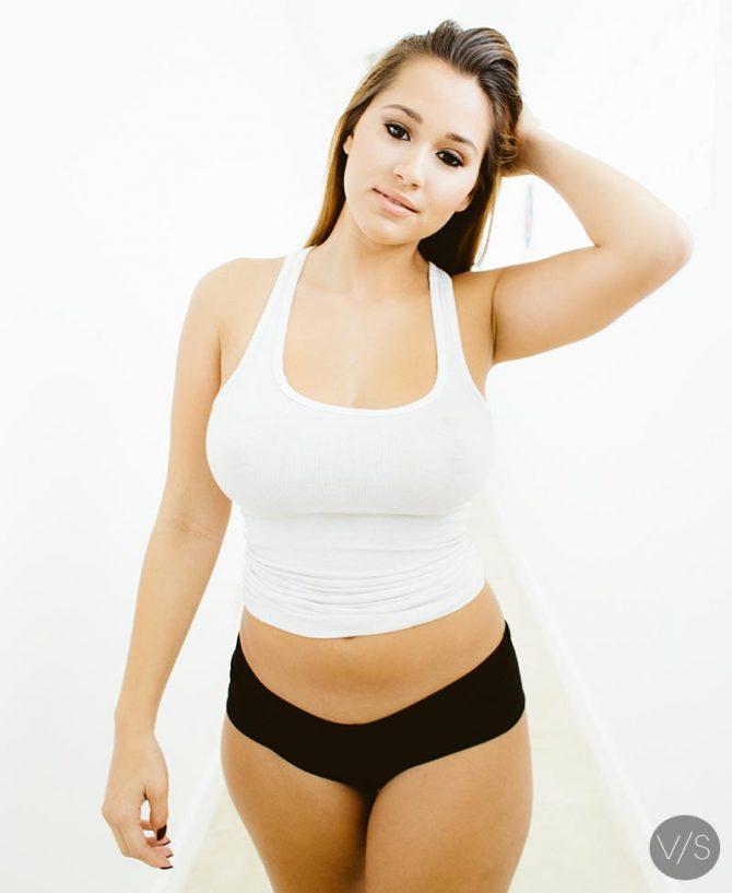 Rosanna Castillo @Nanna_Rose – Van Styles