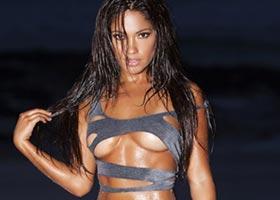 Top 10 Sexiest Model Pics – Jessica Burciago