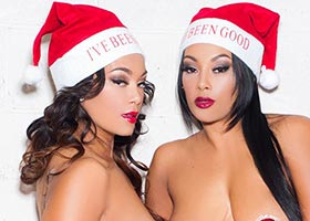 Hasana Nvus @Only1Hotsana and Karinda Nvus @killakarinda: Twins for Christmas – Maurice Chatman