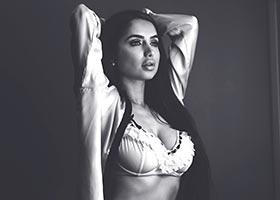 Shakur Sozahdah @TheOnlyShakur: Monotone – Derick G