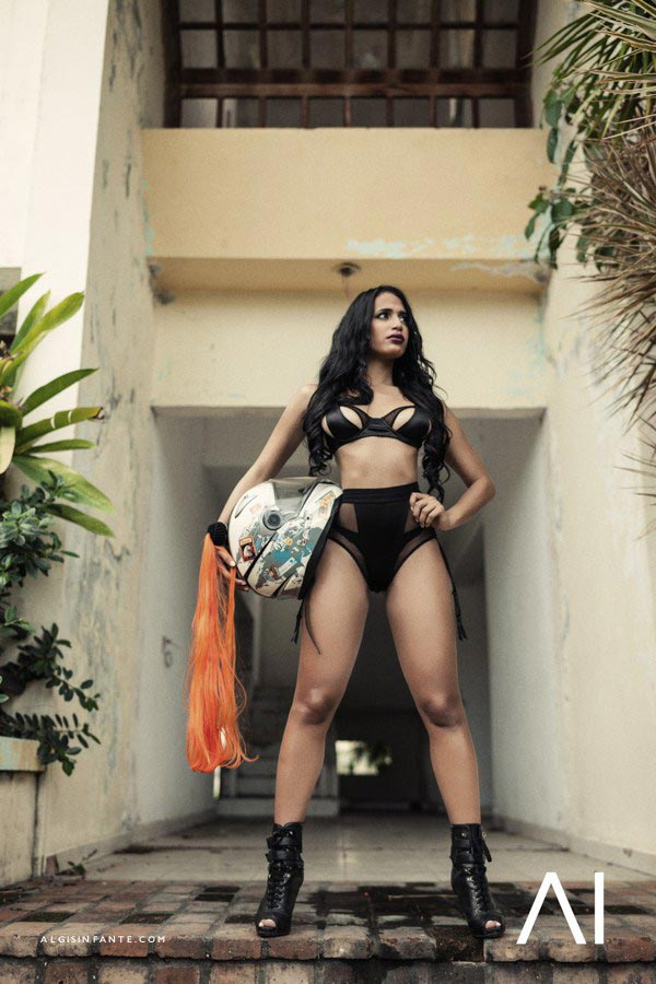 Gloria Gomez @gloriagomez_gigi: Urban Jungle – Algis Infante