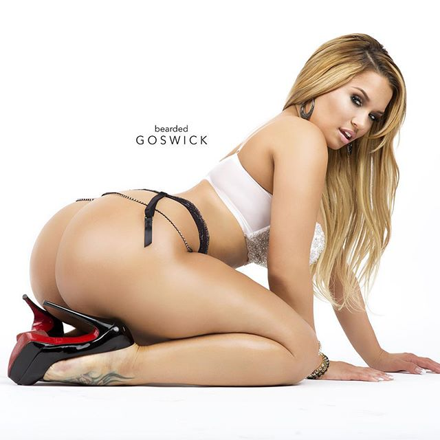 Jessica Kylie @therealjkylie – Pic of the Day Triple Play – Prive Studios