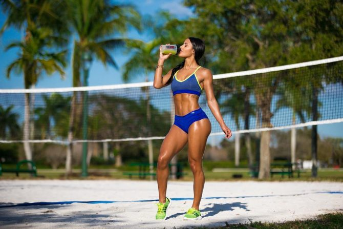 Katya Elise Henry @katyaelisehenry – Pic of the Day Double Dose – Mike Montoya