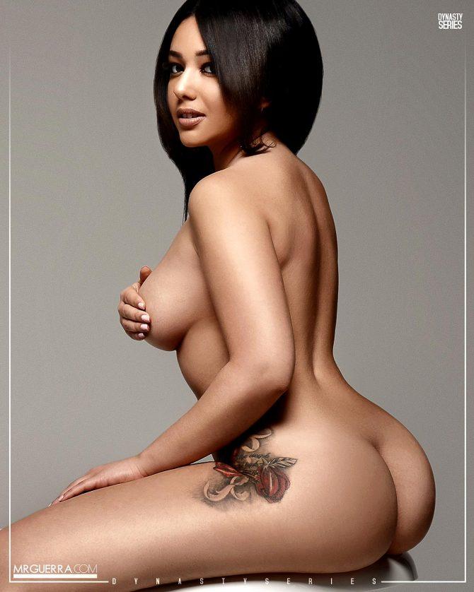 Jazzy Boo @msjazzyboo_: Hottest Tub – Jose Guerra