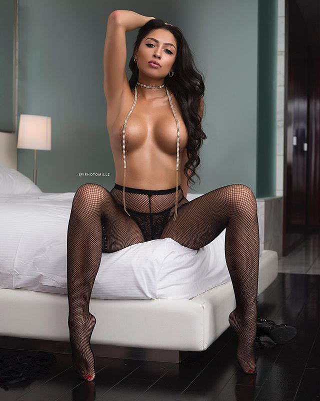 @hennessynhoney – Pic of the Day Triple Play – @iphotomillz