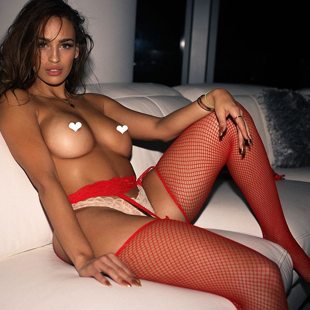 Veronica Valle @dam_vero: Ready For Valentine's – Whitty