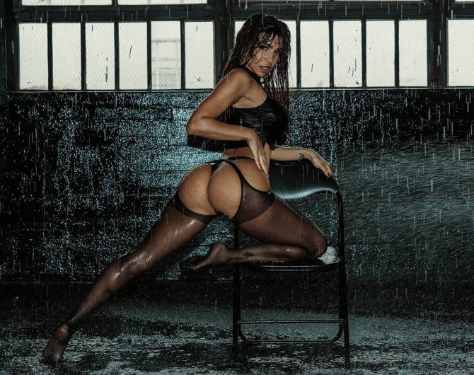 Vida Guerra: Flash Dance – Trill Imagery