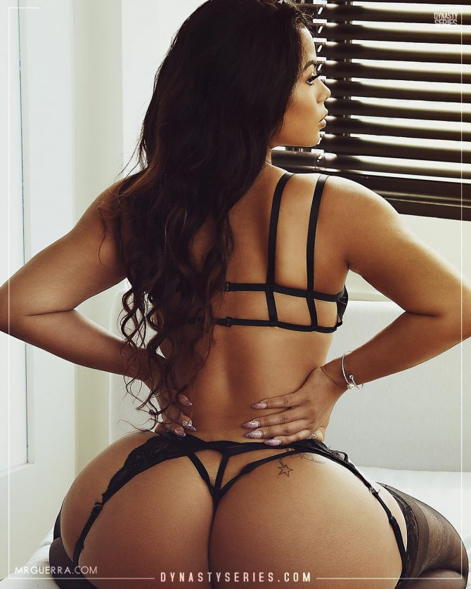 Strella Kat: When Are You Coming Home? – Jose Guerra