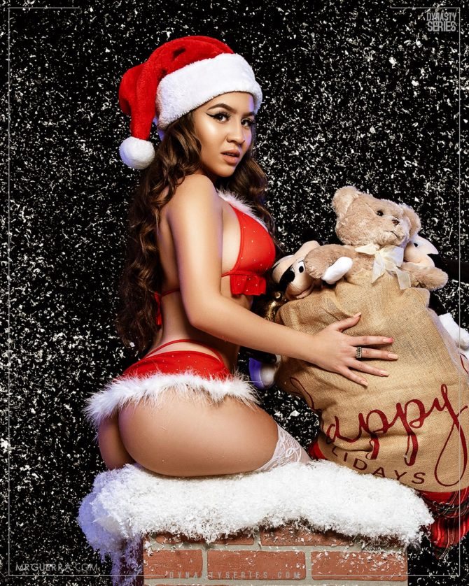 Karina: Who's Coming Down the Chimney for Christmas – Jose Guerra