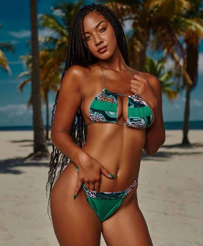 Kayla V @ohlakay x Moe Bennett